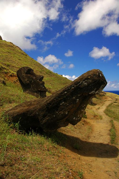 http://www.traveler-mir.com/files/c/country/chile/dostoprimechatelnosti/ostrov-paskhi-foto/ostrov-paskhi-foto_4.jpg