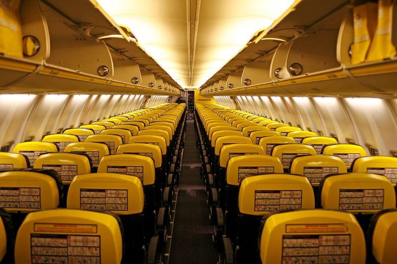 Салон самолета боинга 737
