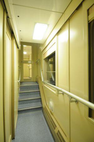 Двухэтажный вагон ржд размер спального места